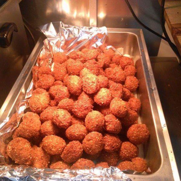 Falafeli pallid